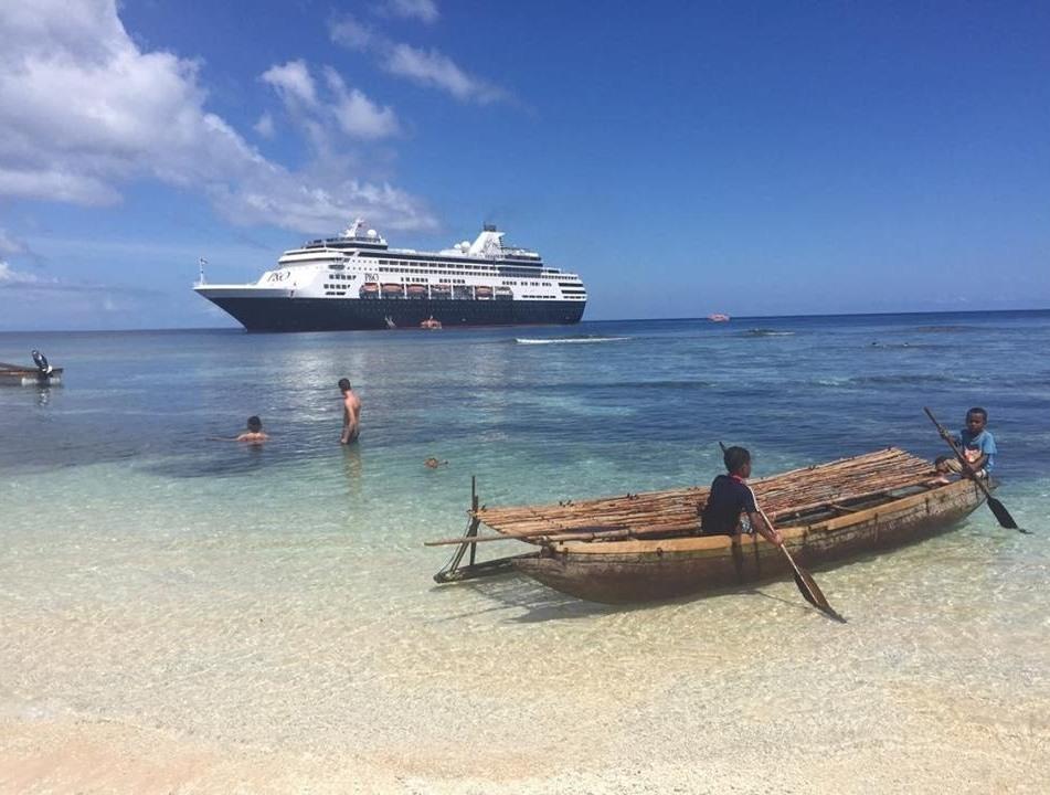 P&O cruise Milne Bay