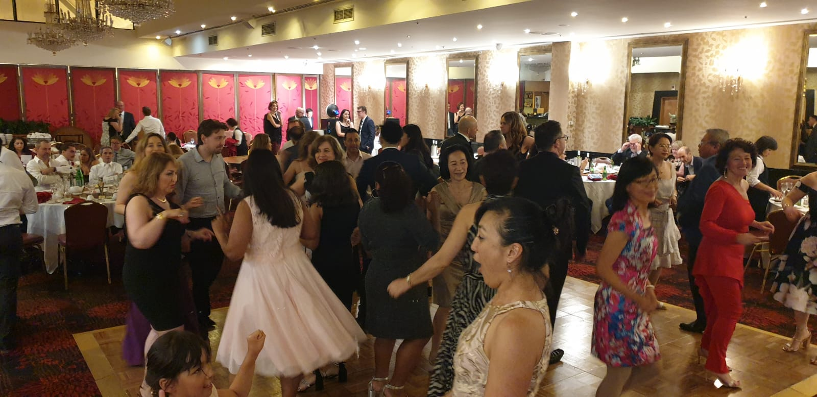 daisi ball dancing